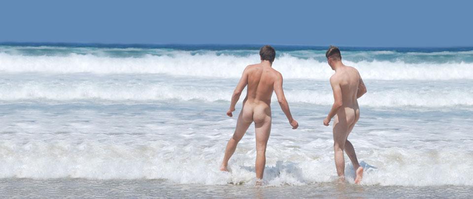Amateur surfer spunks